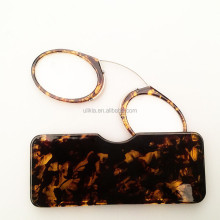 Pince Style Nose Resting Pinching Reading Glasses With Case