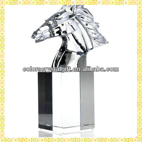 Personalized Exquisite Clear Crystal Horse Head Figurine For Company Lead Trophy