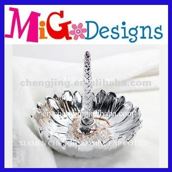 Welcome OEM sexy ceramic silver ring holder
