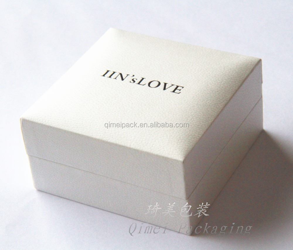 High quality fashion soft touch paper plastic jewelry gift box with custom logo
