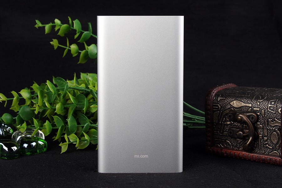 2015-2016 Ultra Slim Thin 9.9mm universal portable aluminum Original Xiaomi Power Bank 5000 mah