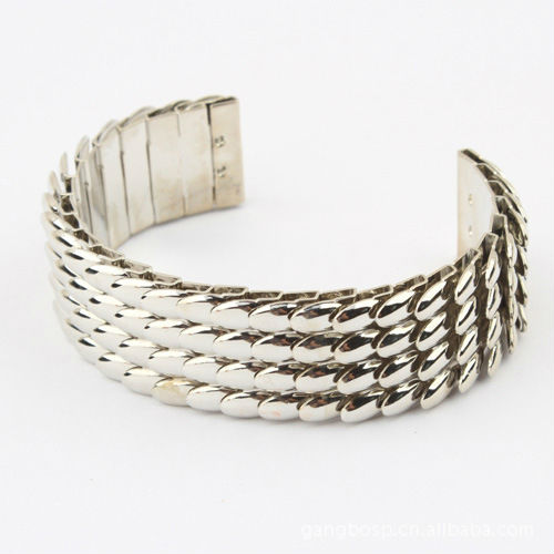 2018 Special design fashion feather pave alloy cuff bangle,silver plate cool unisex bracelet