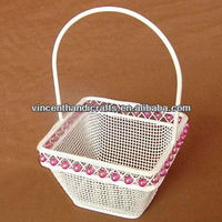 Wire mesh holiday gift basket fruit basket with handle