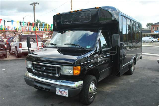 2004 Ford Econoline E-350 SUPER DUTY DRW PARTY BUS