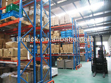 Warehouse pallet storage heavy duty racking system with row spacer