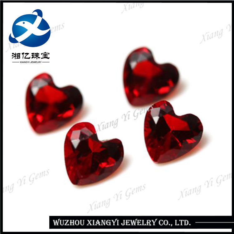 Hot sale machine cut heart shaped red decorative glass stones for jewelry