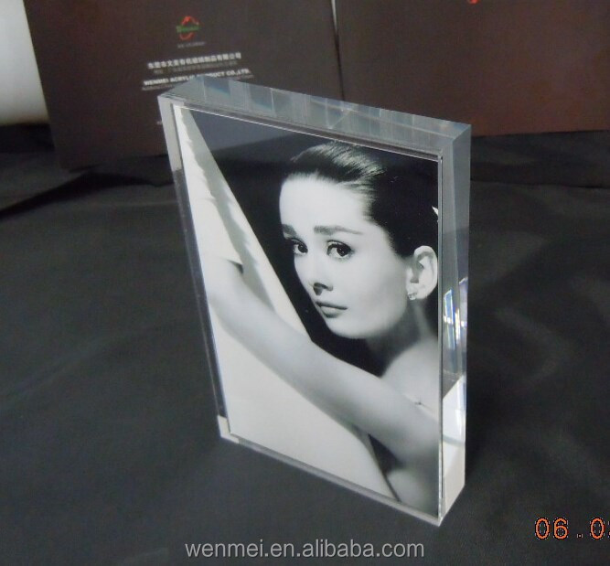 4X6 Magnetic heavy acrylic picture frame