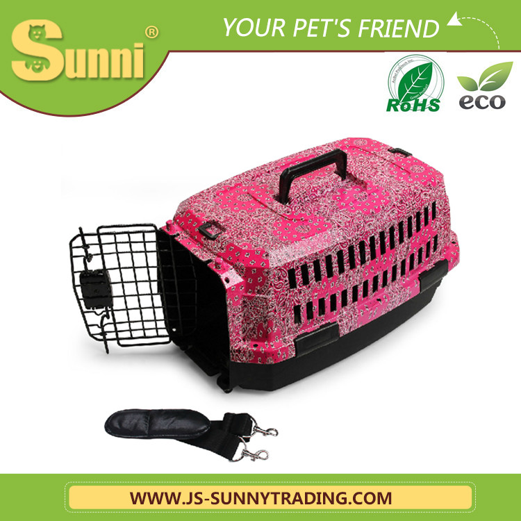 Modern fashion dog transportation cage dog house plastic