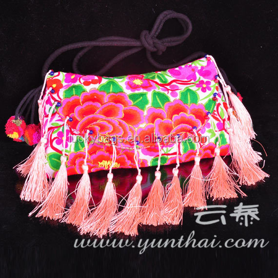 Top selling beautiful ethnic embroidery tassel pompon bags for lady