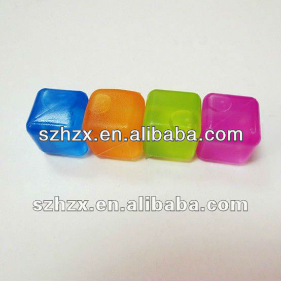 Very Cheap PP Material Plastic Ice Cubes Decoration Ice