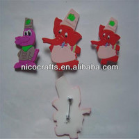 Factory direct sale various promotional cute broach