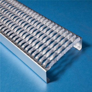Galvanized serrated anti slip stair tread steel grating