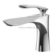 2017 New Design single hangdle Brass Bathroom Tap Wash Basin Faucet
