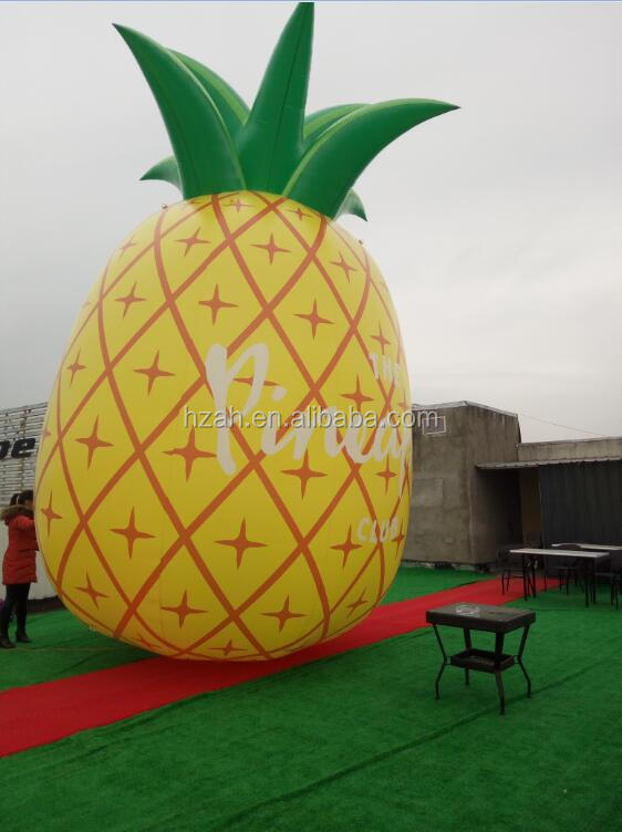 Giant advertising inflatable pineapple cartoon for promotion