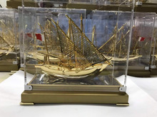2017 NEW Style High Quality Beautiful Real Gold plated Dhow with Bahrain Gift