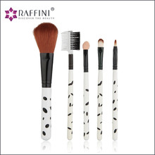 Latest beauty tool essential modern look Facial Make Up Brush