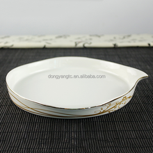 "8.8"" round pour spout white ceramics japanese dinner gold printing cater gold ring decal restauran convenient serving soup plate"