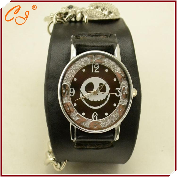 Retro The New Punk Wind Chain Smiling Face Skull Spider Belt Watches