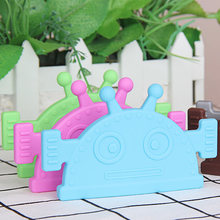 Factory wholesale organic silicone new baby toys robot teether