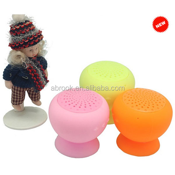 Mini mushroom bluetooth speaker with suction cup