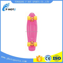 Fashionable plastic retro cruiser skateboard waveboard skateboard