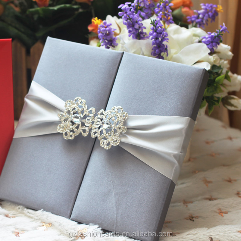 2016 Hot Sales New Idea Wedding Invitation Folio Silk with Ribbon and Buckle