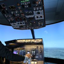 Boeing 737-800 1:1 Scale Flight Cockpit Flight Simulator For Sale