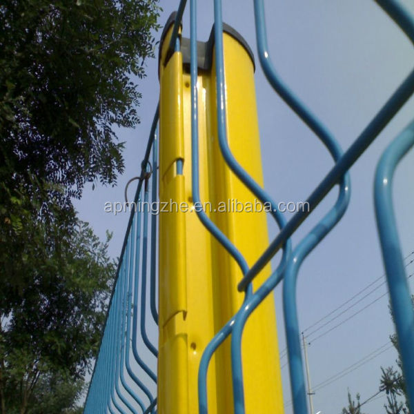 Easy to install powder coated curve welded wire mesh fencing with peach-shape column