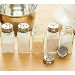 Wholesale fashion glass salt&shaker set with stainless steel lid