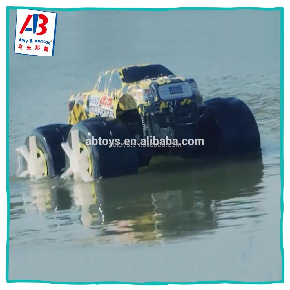 1:8 Scale 2.4g PVC RC Toy Car High Speed Driving On Water And Land