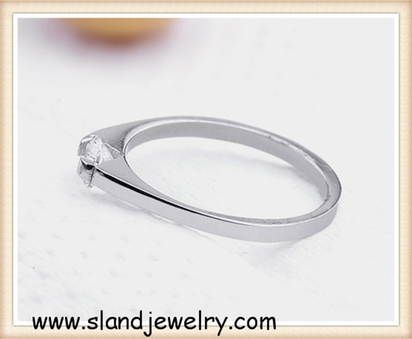Super Quality stainless steel New Products Custom eternity ring with one diamond
