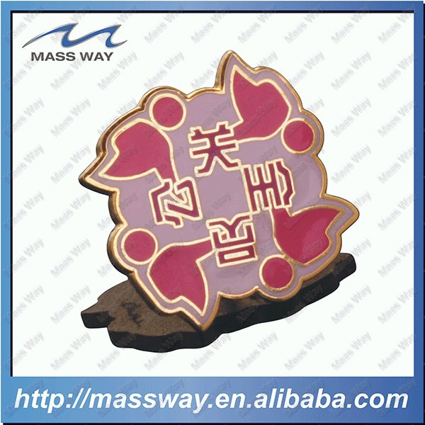 customized enamel etched flower shape brass pin badge