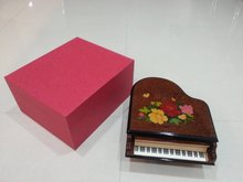 China Supplier Handmade Wooden Beautiful Piano Shaped Music Jewelry Boxes