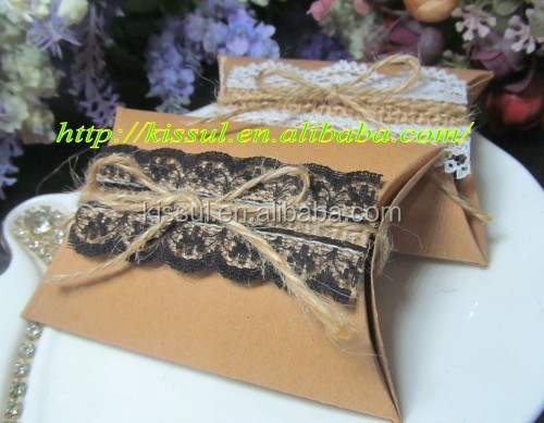 2016 Vintage Wedding favor box of Kraft Pillow candy box with lace on linen For Party gift box 2 colors