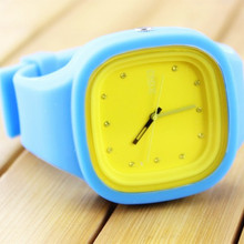 China Factory Colorful Plastic Silicon Watch Relojes Picture Promotion Gift Sport Black Wristwatches CE ROHS