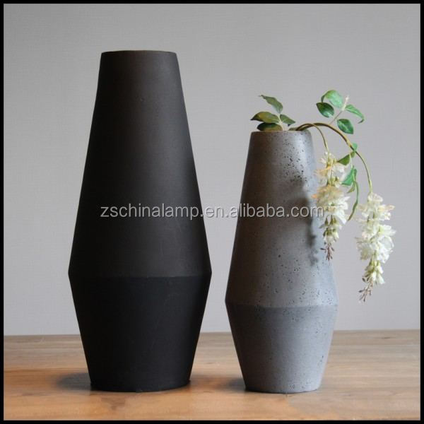Wholesale Resin Vintage Large Flower Vase With Black And White Color For Country Home Decor Used Hotel Outdoor Furniture