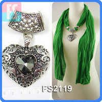 Heart pendant scarf with crystal jewelry