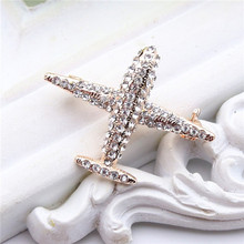 luxury diamond-bordered aircraft lapel pins for men women wedding party high-end alloy metal badges custom manufacture