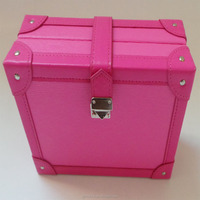 The fashionable and new style leather cosmetic box with belt