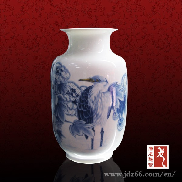 Blue and whiter porcelain high quality wall mounted vase in hot sale