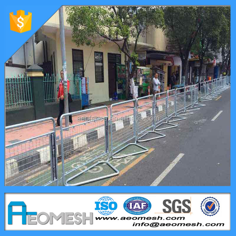 AEOMESH hot sale traffic facility / road guardrail / removable fence