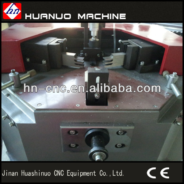 Fabrication of aluminum windows and doors/corner crimping machine