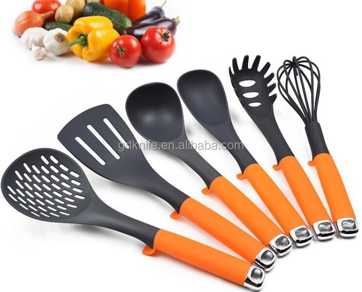2017 Food grade unique design color pp handle with pivot nylon kitchen utensils