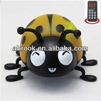 Innovation remote cotrol jumping animal shaped fm radio mini digital speaker