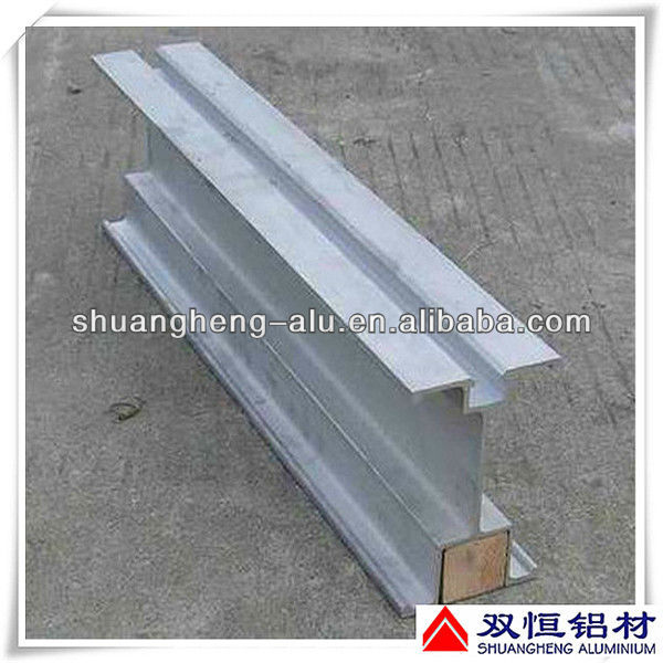 Aluminum beam for exhibition system