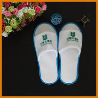 Fortable Popular China Disposable Wholesale Nonwoven Printed White Cheap Man Cotton Hotel Slippers