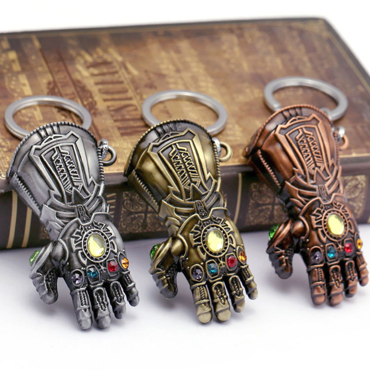 Shuanghua wholesale metal 3d Thanos gloves key chain with diamonds for Avengers