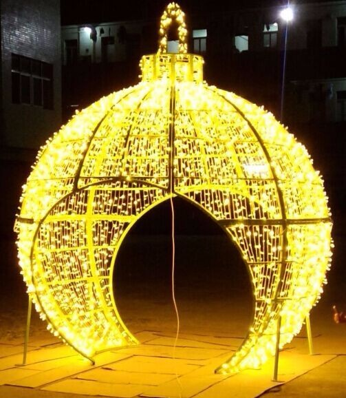 Hot Sale! Golden large 3D ball with arch led holiday outdoor decoration