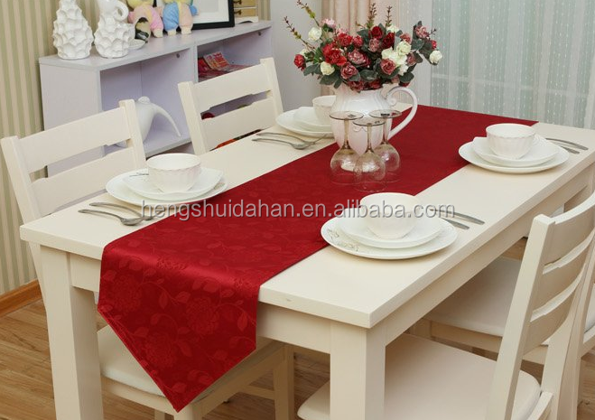 christmas cheap 100% polyester lace table runner christmas