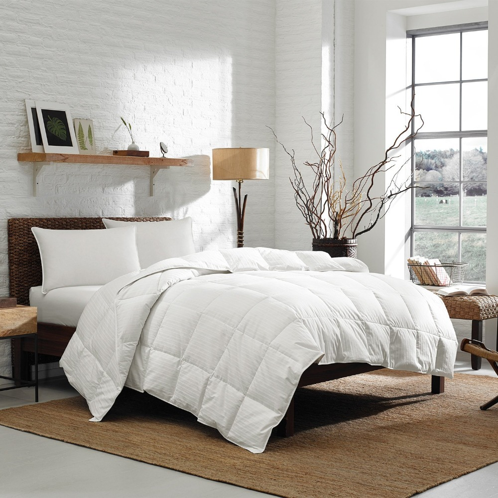 Queen 350 TC 700 Fill Power White Goose Down Comforter, Striped Damask Cotton